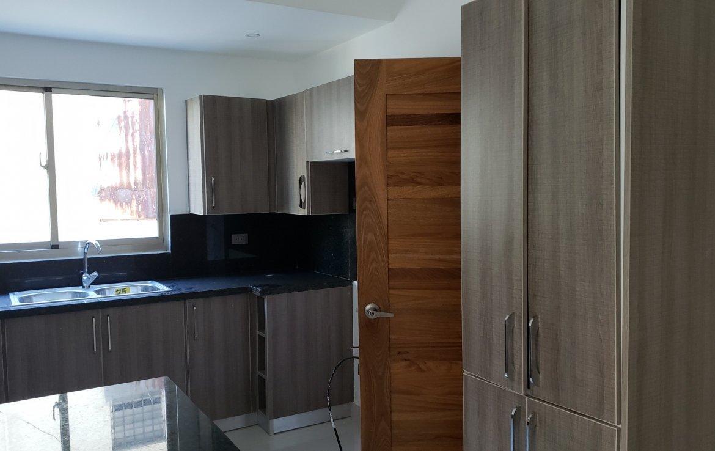 Cocina apartamento en la urbanización real