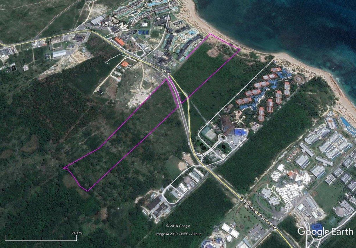 Hotel y Terreno Residencial con Playa